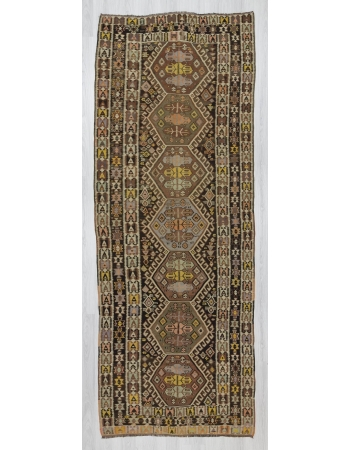 Vintage decorative Turkish kilim rug