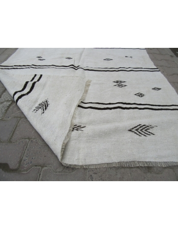 Vintage Embroidered White Hemp Kilim Rug