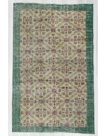 Floral vintage Turkish rug