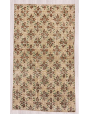 Vintage floral Turkish rug
