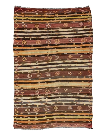 "Embroidered Vintage Turkish Kilim Rug - 6`9"" x 10`1"""