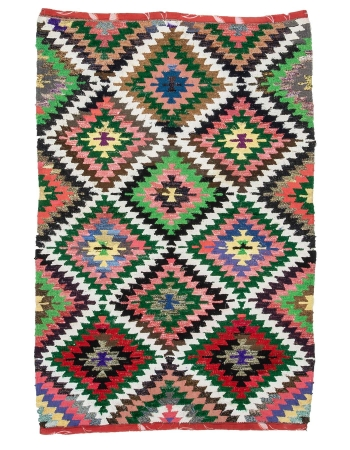 "Handwoven Colorful Vintage Turkish Kilim Rug - 4`6"" x 6`8"""