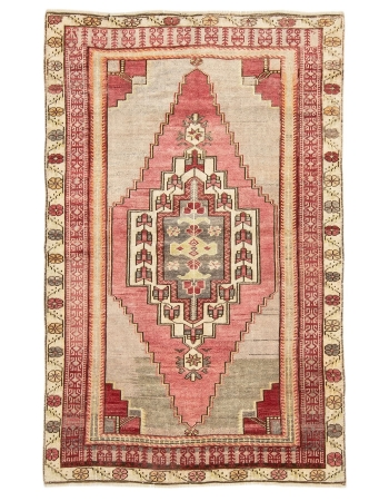 "Vintage One Of A Kind Turkish Rug - 3`9"" x 5`10"""