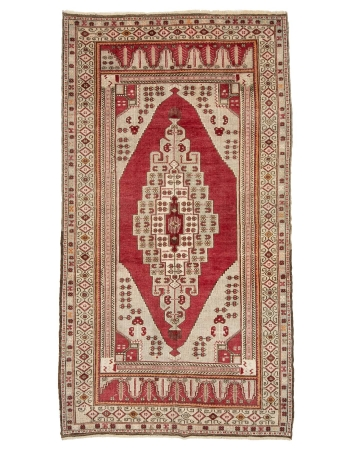"Vintage 1960's Turkish Rug - 4`9"" x 8`10"""