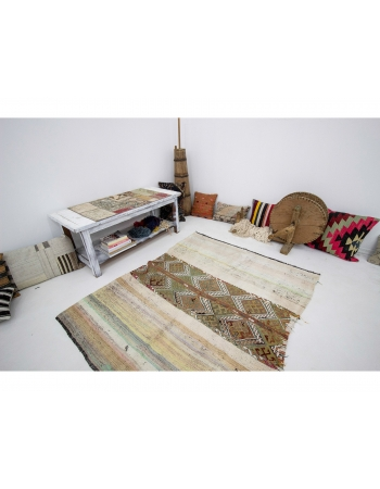 """Decorative Vintage Unique Turkish Kilim - 4`7"""" x 5`3"""""""