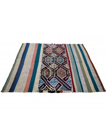 """Vintage Decorative Turkish Kilim Rug - 4`11"""" x 6`7"""""""