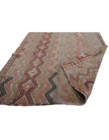 "Embroidered Vintage Turkish Kilim Rug - 4`11"" x 9`2"""