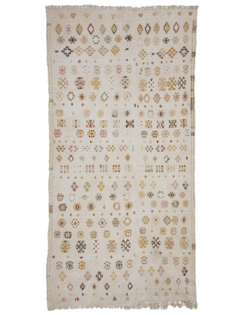 "Embroidered Vintage Cotton Kilim Rug - 4`7"" x 9`4"""
