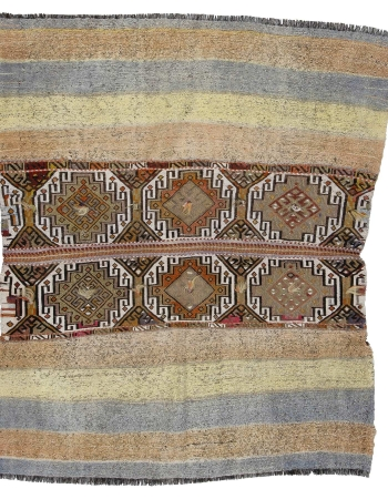 "Embroidered Small Decorative Kilim Rug - 4`6"" x 5`2"""