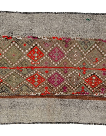 "Decorative Embroidered Vintage Kilim Rug - 3`5"" x 4`1"""