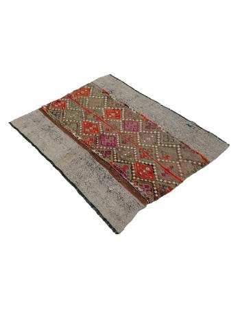 "Decorative Embroidered Vintage Kilim Rug - 3`5"" x 4`1"""