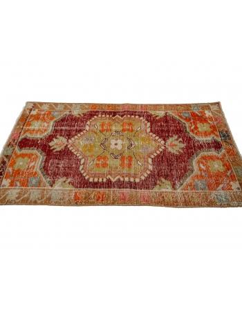 "Vintage Worn Decorative Oushak Rug - 2`6"" x 4`10"""