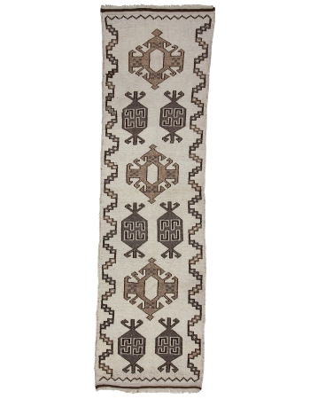 "White & Gray Vintage Natural Herki Runner - 3`5"" x 12`2"""