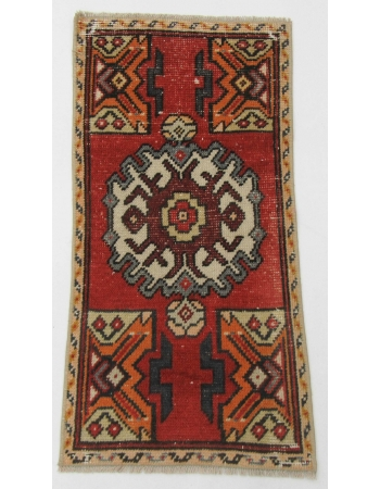 "Mini Vintage Turkish Rug - 1`5"" x 2`10"""
