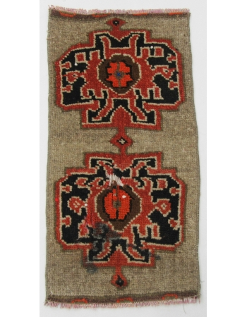 "Vintage Turkish Mini Wool Rug - 1`5"" x 2`9"""