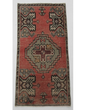 "Vintage Turkish Mini Wool Rug - 1`8"" x 3`4"""