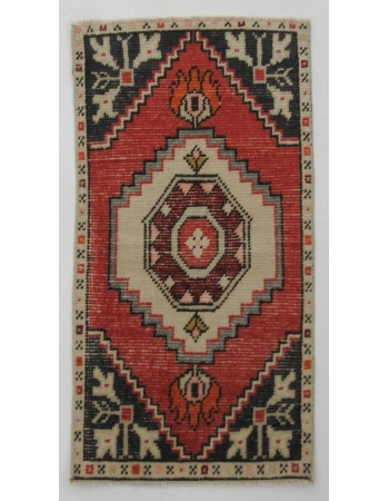 "Wool Decorative Mini Vintage Rug - 1`6"" x 2`11"""