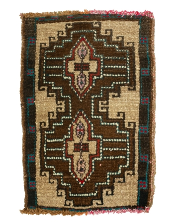 """Vintage Mini Turkish Wool Rug - 1`8"""" x 2`6"""""""