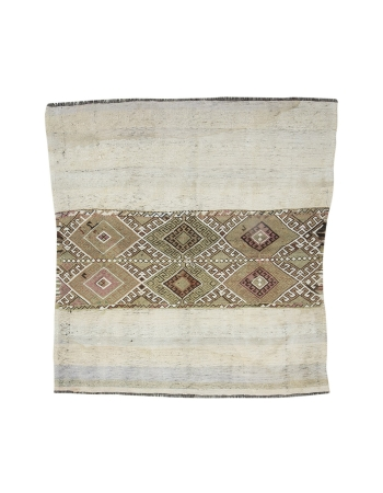 "Vintage Turkish Small Decorative Kilim Rug - 5`0"" x 5`3"""