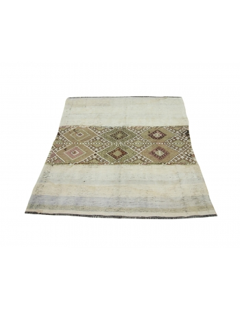 "Vintage Turkish Small Decorative Kilim Rug - 5`0"" x 5`3"""