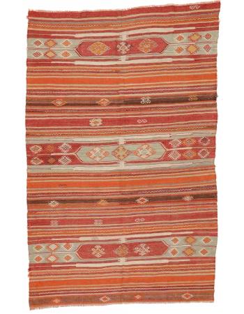 """Vintage Turkish Sivas Kilim Rug - 5`4"""" x 8`4"""""""